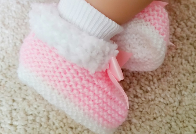 032480df8ab8f Baby Girl pink knitted Booties
