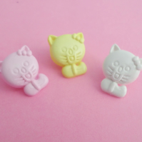 10 Cat shaped buttons 15mm