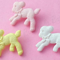 10 Baby Lamb buttons 20mm