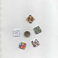 ChrissieCraft 5 assorted wooden floral SQUARE craft buttons
