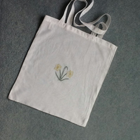 White hand embroidered shopping bag