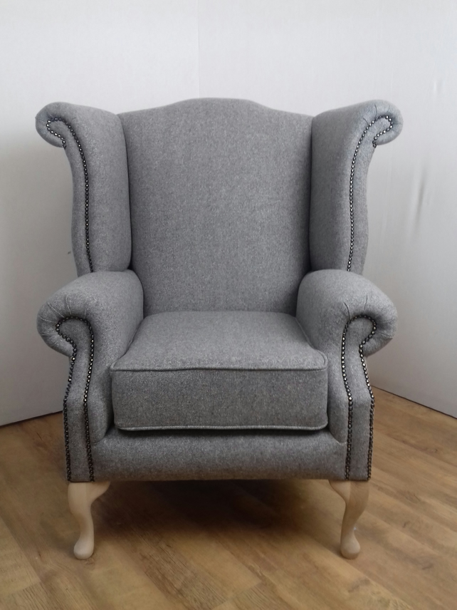 Queen Style chair - Abraham Moon 100% wool fabric