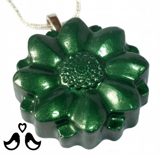 Green flower pendant, green necklace, handmade, gift for her,  women's necklace