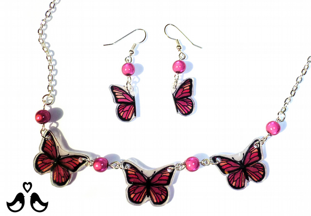 Pink butterfly necklace and earring set, pink necklace, butterfly, handmade.