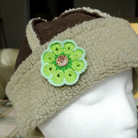Brooch - Green Flower with button centre (B004)