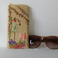 Hand Embroidered glasses Case, Linen Case