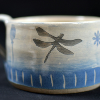 Dragonfly cup