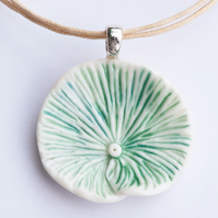 Green Oysterling Porcelain Necklace