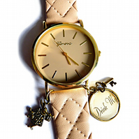 "Watch ""Alice in Wonderland"" beige"