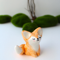 Small Fox Cub figurine. Handmade ceramic cake topper, home decoration.