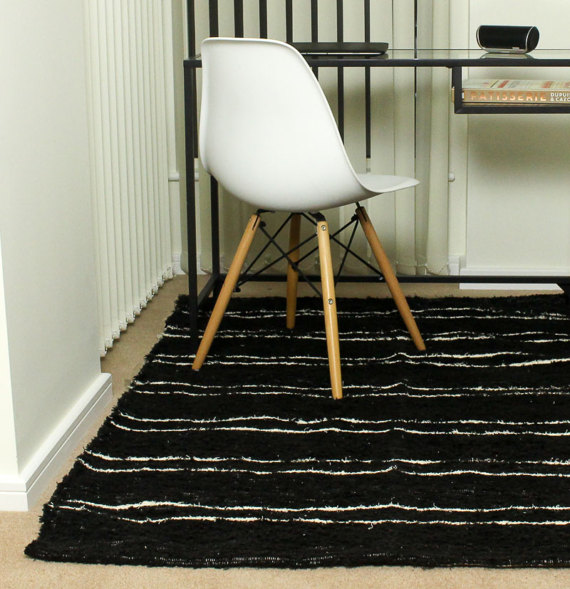 140x200cm 4'6x6'6   Black & White rug Handwoven Up-cycled & Washable rug