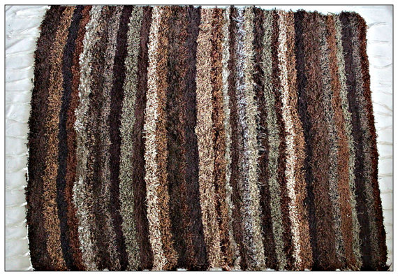 120x160 cm. 4' x 5'3 Brown Shaggy rug Handwoven Up-cycled & Washable rug