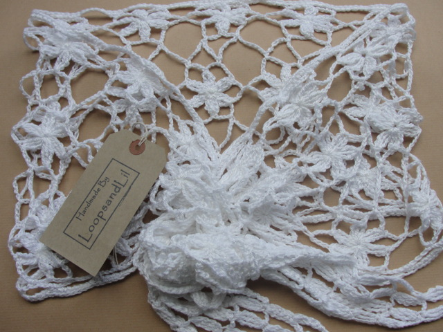 White Shawl. Crochet Lace Flower Shawl.
