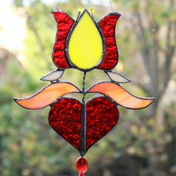 Folkloric tulip with heart suncatcher
