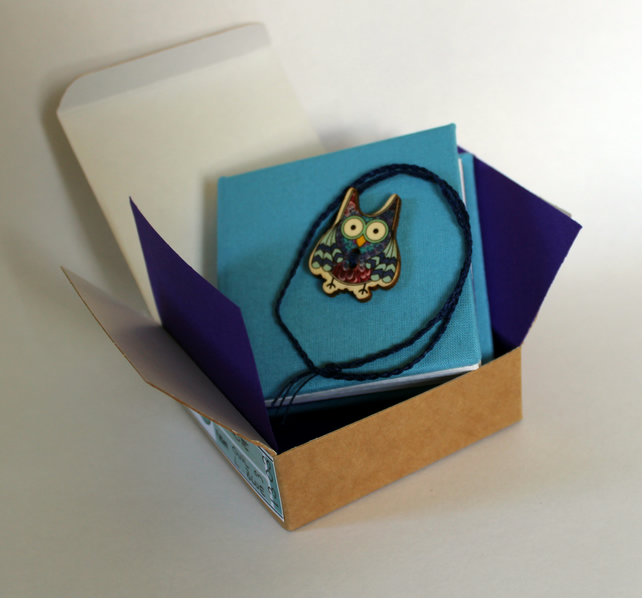 Little notebook with owl button and tie fastening