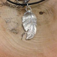 Silver painted feather pendant necklace