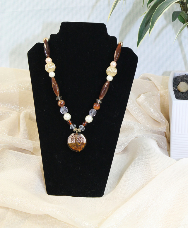 EL 037 Tiger Eye and Glass Pendant Beaded Necklace