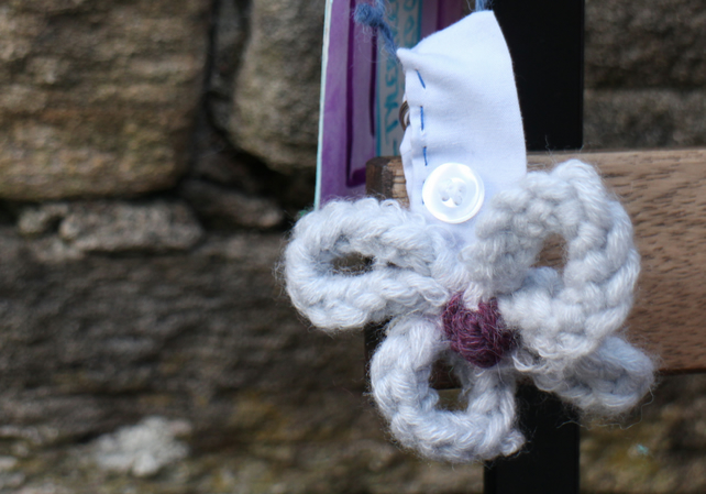 Handmade knitted flower keyring in grey and purple