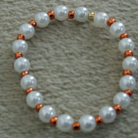 Acrylic Pearl and GlassSeed Bead 6 inch 15cm Elastic Bracelet in Metallic Copper