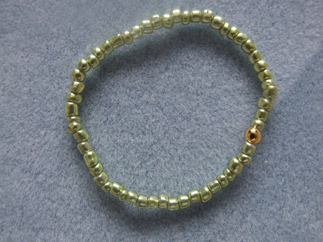 FREE UK P&P Glass Seed Beads Elastic Bracelet Metallic Green