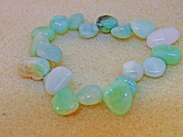 FREE UK P&P Genuine Burmese Jadeite Elasticated Bracelet.