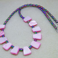 FREE UK P&P Shell Necklace in Pink with Hematite Rainbow
