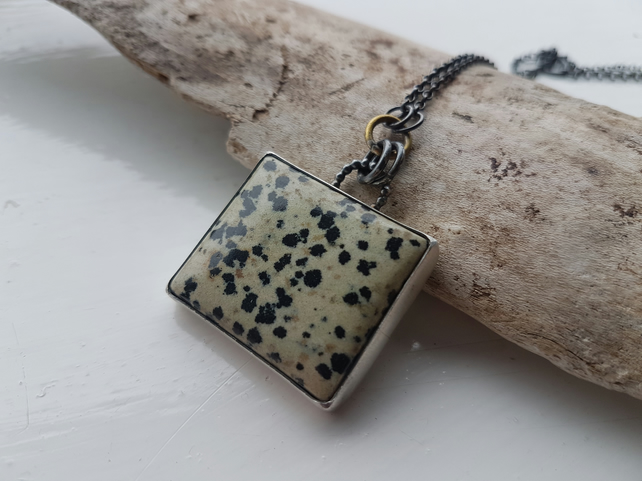Dalmatian Jasper Stone Set Necklace
