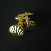 Retro gold plated shell design cufflinks, beautifully crafted, free UK shipping.