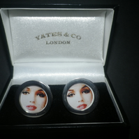 Marilyn Monroe cufflinks highly polished silver finish, great present.
