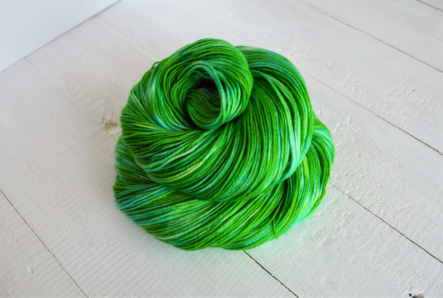 Emerald Isles, Hand Dyed Yarn, Bright Green Merino Sock Yarn, 4 Ply, 100g