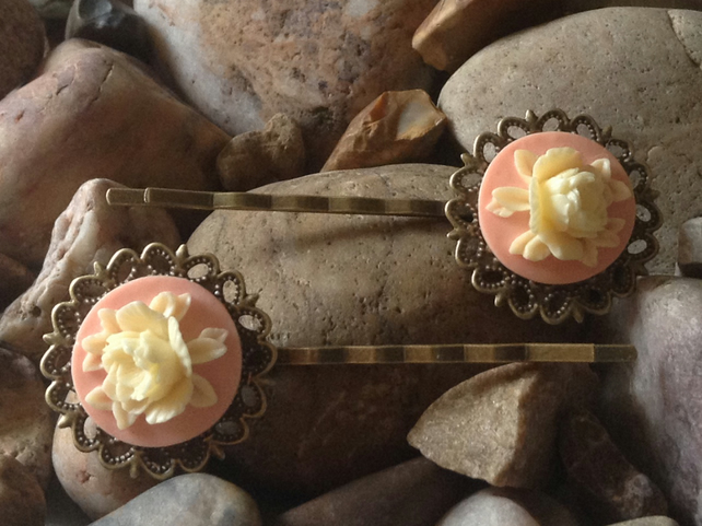 Beautiful Bronze Pink Vintage Peony Flower Cameo Bobby Kirby Clips Grips Sildes