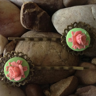 Beautiful Bronze Soft Lime Vintage Peony Flower Cameo Bobby Kirby Clips Grips