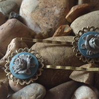 Beautiful Bronze Blue Vintage Peony Flower Cameo Bobby Kirby Clips Grips Sildes