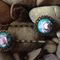 Beautiful Bronze Turquoise Vintage Peony Flower Cameo Bobby Kirby Clips Grips