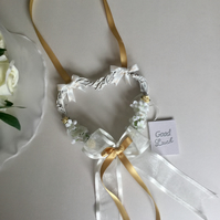 Wedding day good luck bride & groom vine heart Keepsake gift