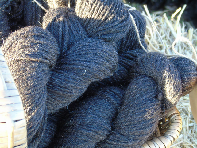 Rare breed Hebridean and Shetland lambswool 100g skein