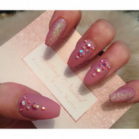 Hand painted dusky pink false nails, press on nails, false nail set.