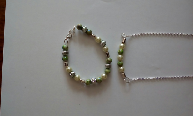 Necklace & Bracelet Set