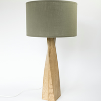 Table lamp in oak