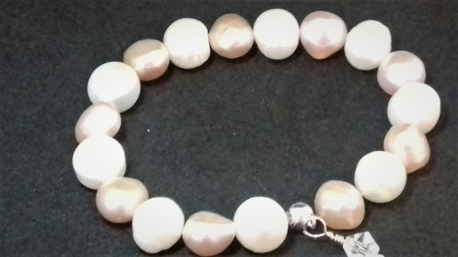 Peaches and Cream Pearl Bracelet