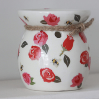 Red rose and bumble bee wax burner