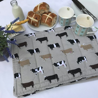 Quilted place mat - Cows