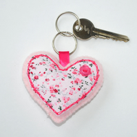 felt sewing kit for beginners. Sweet Heart keyring kit. make your own