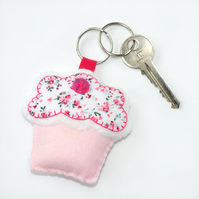 felt beginner craft kit, cotton candy cupcake sewing keyring kit