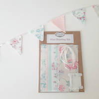 Make your own mini bunting sewing kit.