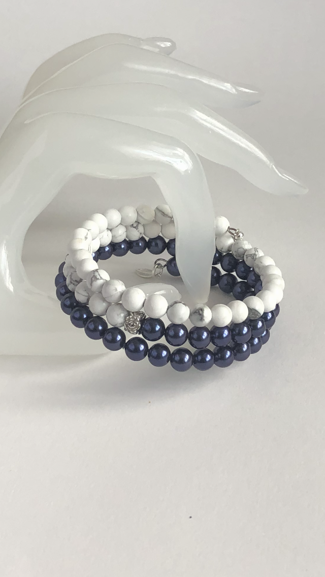 Howlite and Shell Pearl Wrap bracelet