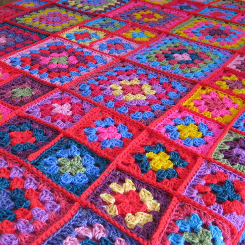 Free Online Crochet Granny Square Patterns : MODERN GRANNY CROCHET AFGHAN PATTERN ? Free Crochet Patterns