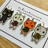 Cute cat, kitten, knitting stitch markers