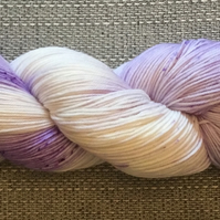 LAVENDER TEA, hand dyed yarn, indie dyed yarn, hand dyed wool, merino