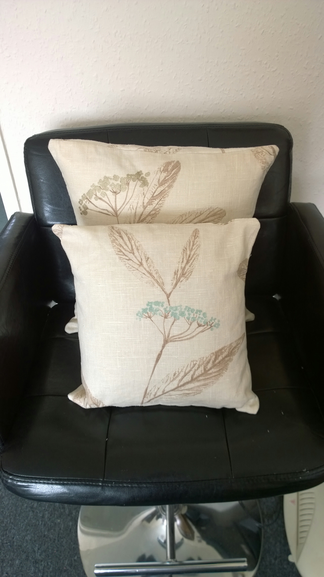 Floral print textured linen cushion set